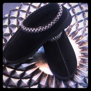 Ugg K-Tasman II slippers NWOT